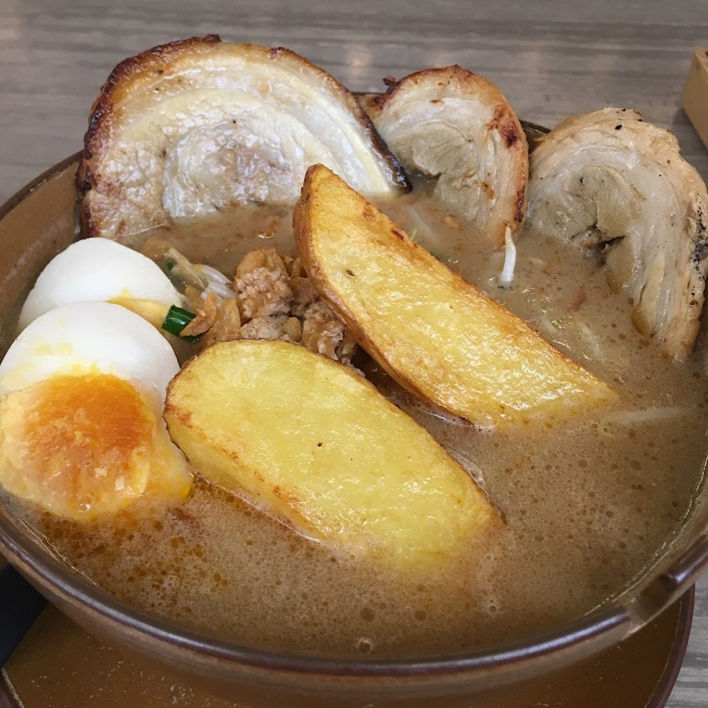バンコク・プロンポンのラーメン屋みそやの北海道味噌