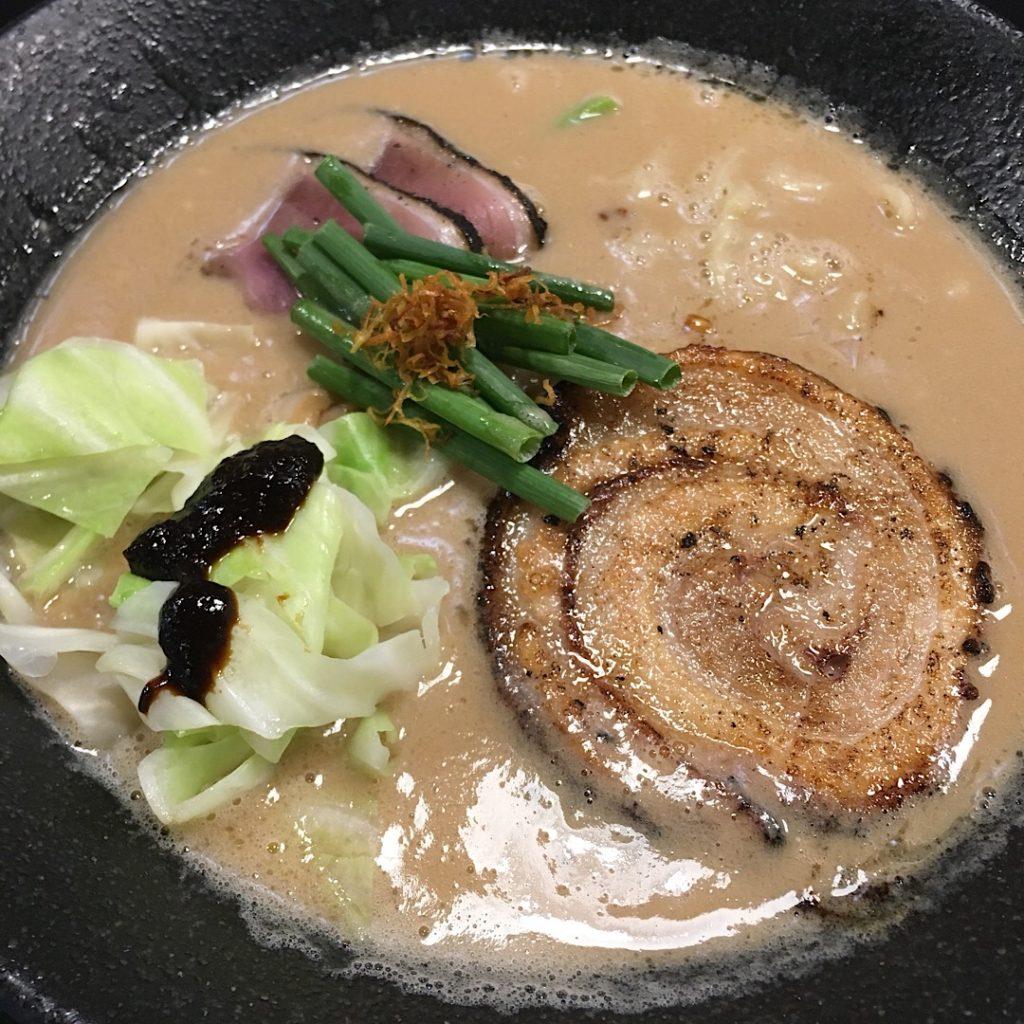 バンコク・プロンポンのラーメン屋麺庄の鶏白湯