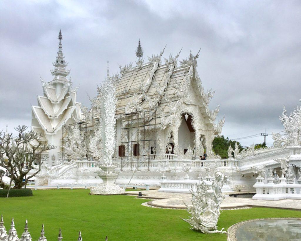 タイ・チェンライのホワイトテンプル(ワットロンクン)