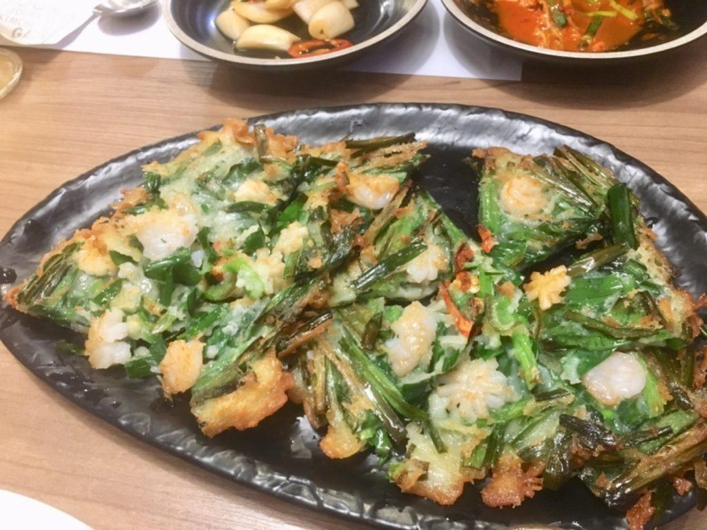 タイ・バンコクの韓国料理店プッマッコルのチヂミ