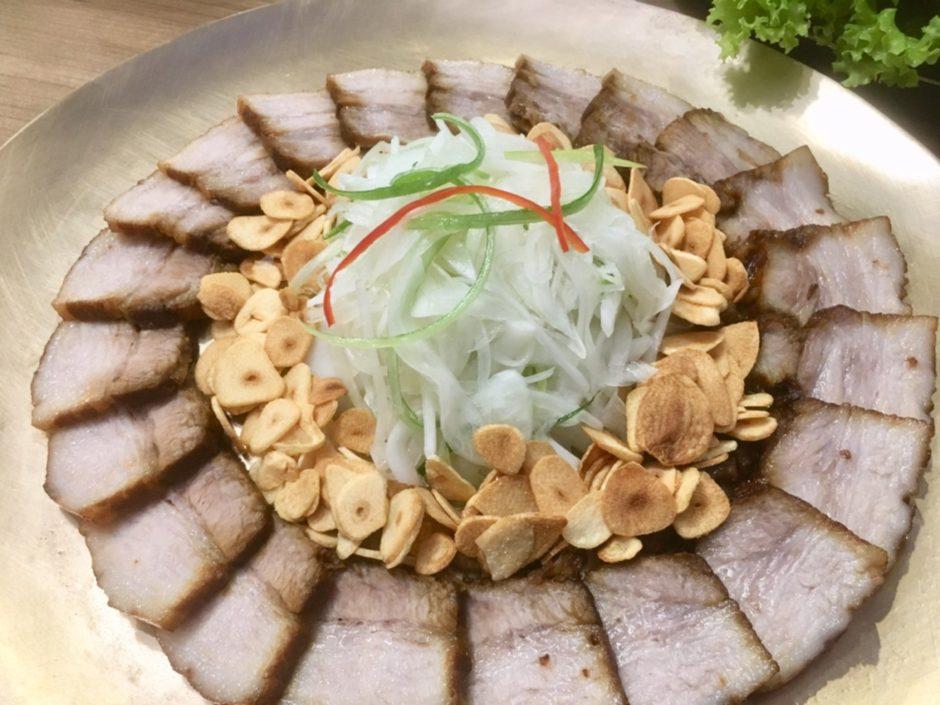 タイ・バンコクの韓国料理店プッマッコルの看板メニューボッサム