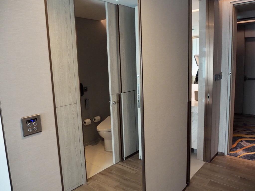 ホテル・ニッコー・バンコク(日航ホテル)の全身鏡