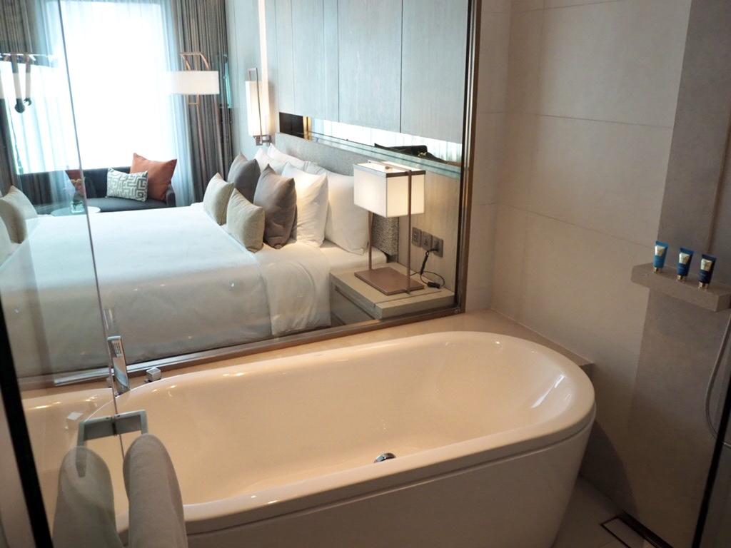 ホテル・ニッコー・バンコク(日航ホテル)のスーペリアのバスルーム
