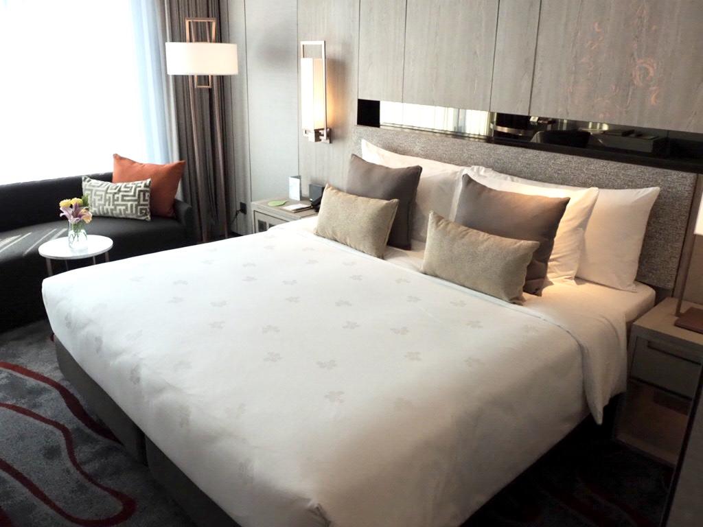 ホテル・ニッコー・バンコク(日航ホテル)のスーペリアのベッド