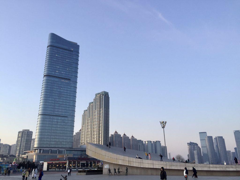 中国・大連のビル群