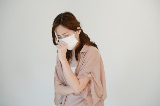 タイ国内で新型コロナウイルスを対策する女性
