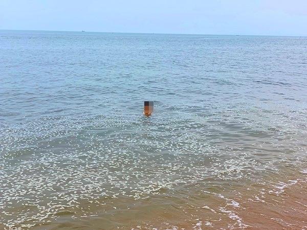 Tutu Beach前の海