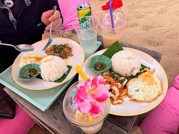 Tutu Beachで食べたガパオライス