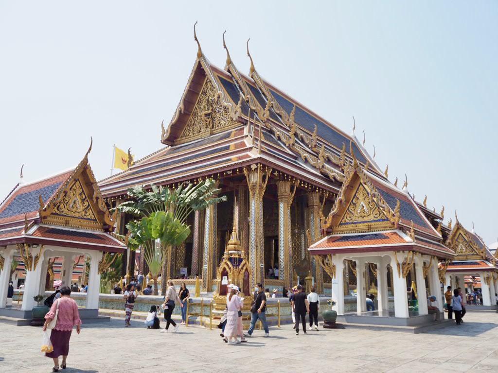 タイ・バンコクのエメラルド寺院ことワットプラケオの本堂