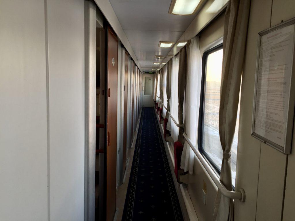 北朝鮮・平壌行き国際列車の車内
