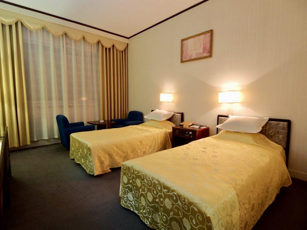 北朝鮮・平壌市内にある羊角島ホテルの室内やベッド