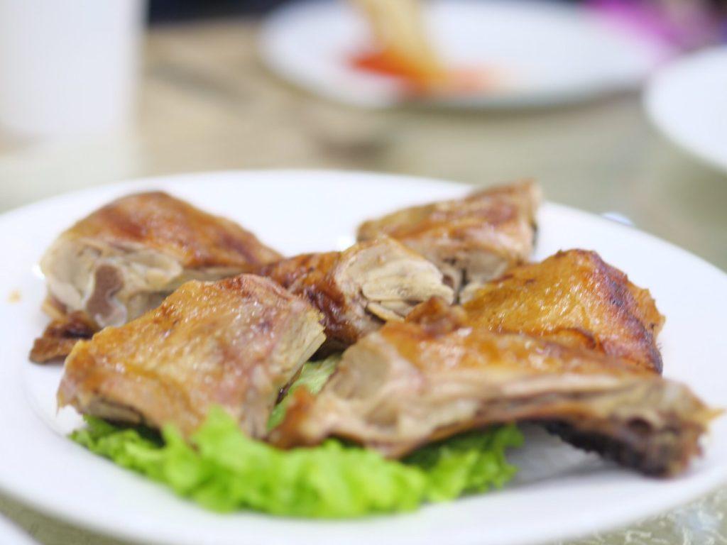 北朝鮮・平壌市内で食べたアヒル肉のロースト