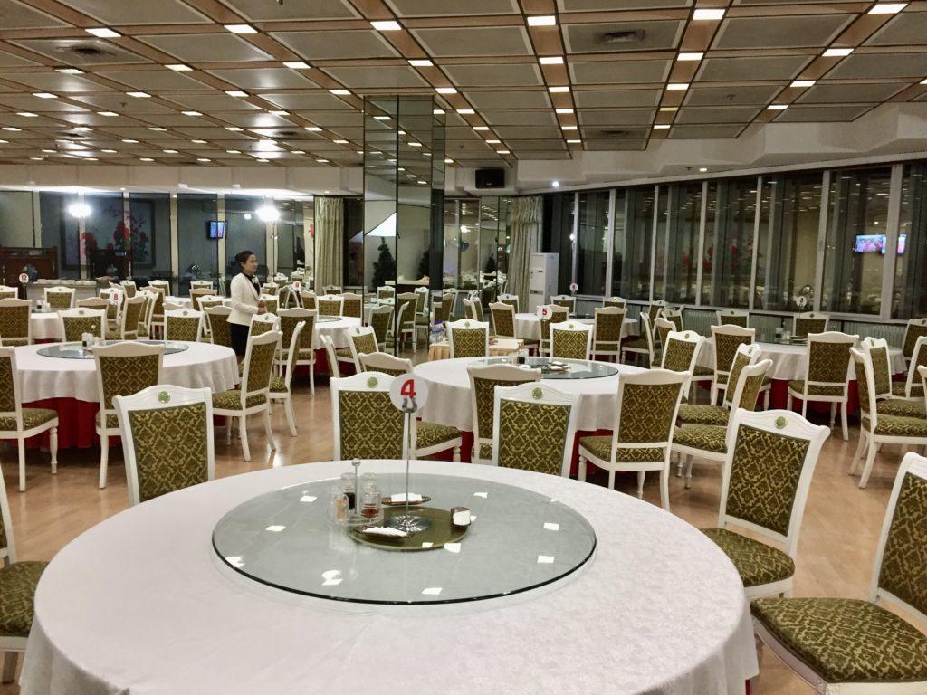 北朝鮮・平壌の羊角島ホテルのレストラン朝食会場