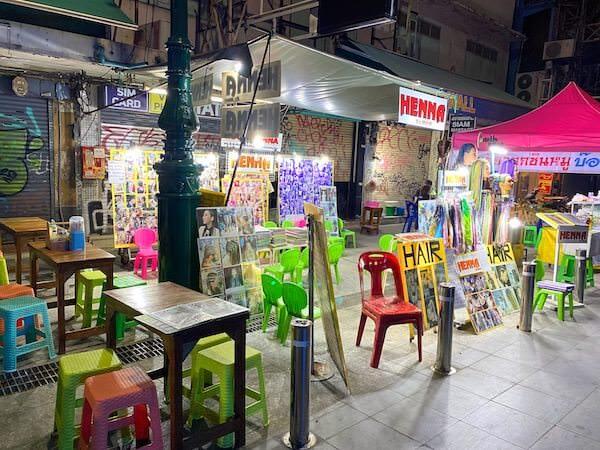 カオサン通りのヘナタトゥーショップ