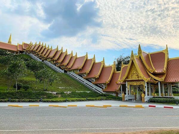 ワットブーンヤワッド(Wat Boonyawad)のチェディ1
