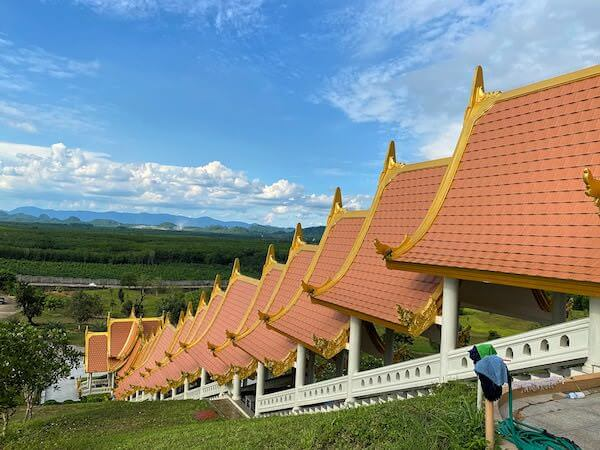 ワットブーンヤワッド(Wat Boonyawad)のチェディ2