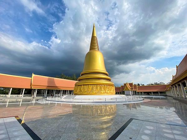 ワットブーンヤワッド(Wat Boonyawad)のチェディ3