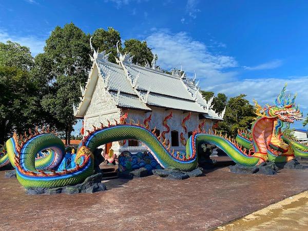 ワット ノーン チャップ タオ(วัดหนองจับเต่า)の仏堂2