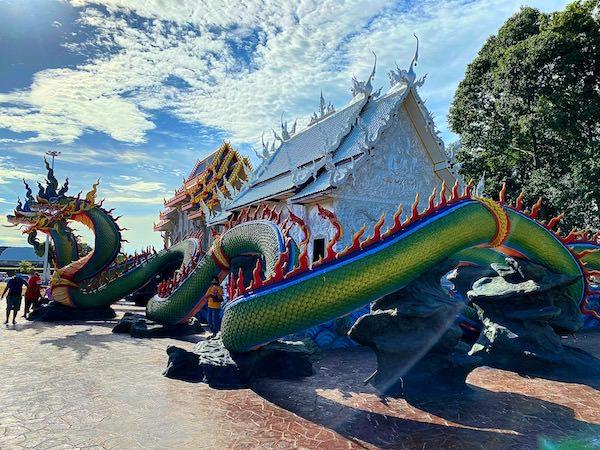 ワット ノーン チャップ タオ(วัดหนองจับเต่า)の仏堂1