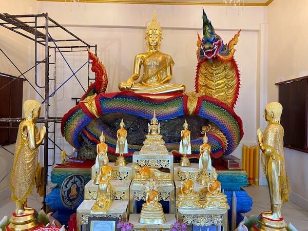ワット ノーン チャップ タオ(วัดหนองจับเต่า)の仏堂4