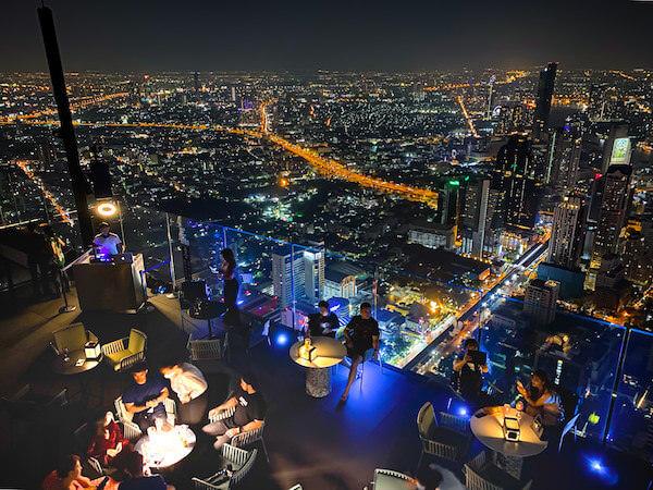 夜のマハナコンタワー1