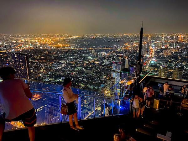 マハナコンタワーから見る夜景