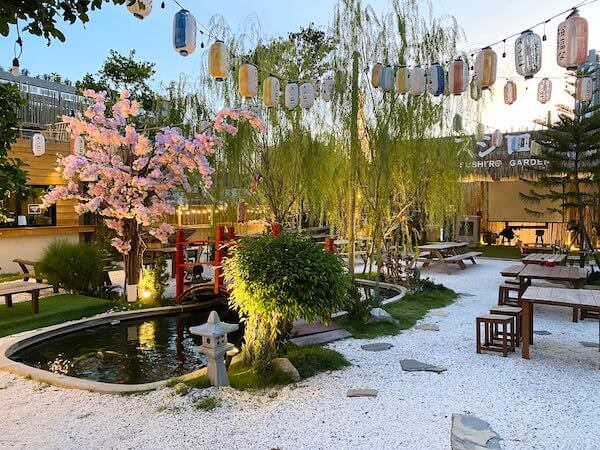 パタヤサードロードのスシローにある日本庭園2