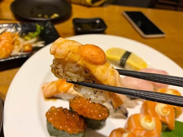 パタヤサードロードのスシローで食べたサーモン明太子