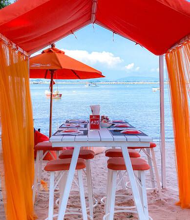 Z beach(ゼットビーチ)のテーブル席
